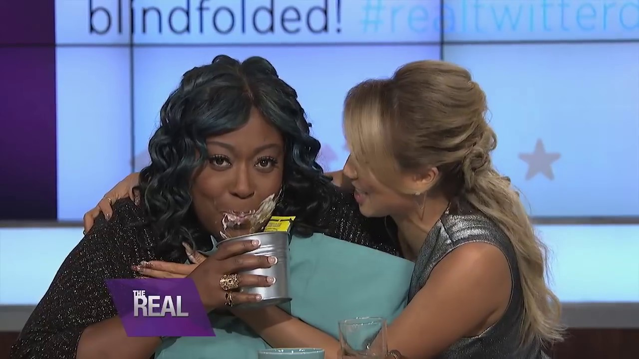 loni's sexy twitter dare - youtube