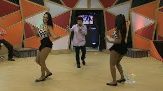 Nerivan Silva e suas dançarinas Festa Popular 2017