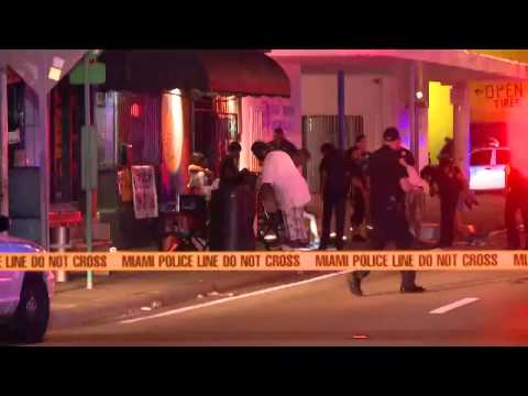 Fifteen people shot during party at Miami club