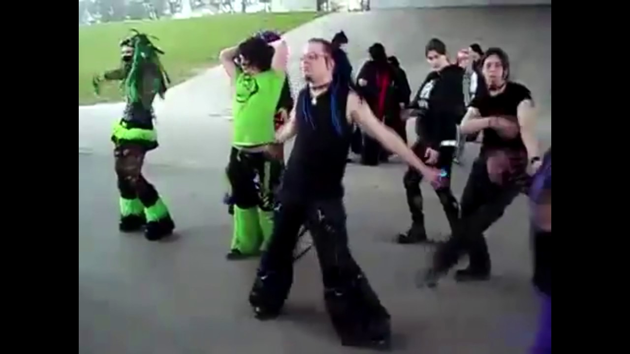 Emo Dances To Mexican Music Youtube