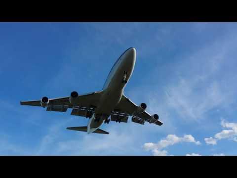China Airlines Boeing 747-400 landing at Ottawa CYOW