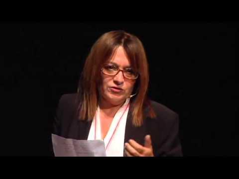 Vincere la paura di innovare nei servizi: Gina Giani at TEDxPisa