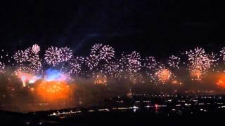 Dubai  fireworks Palm_ jumeirah 2014