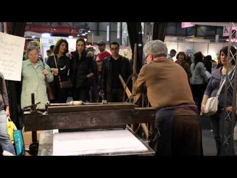 Une presse lithographique à l'œuvre