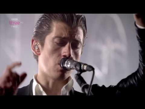 Arctic Monkeys - I Wanna Be Yours @ Reading Festival 2014 - HD 1080p