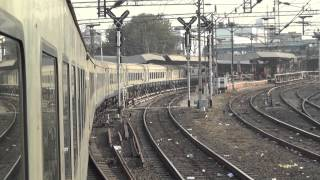 BEAUTIFUL 12010 SHATABDI EXPRESS REGALE ENTRY INTO VADODARA JUNCTION