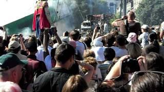 Royal de Luxe: La danse de la petite géante