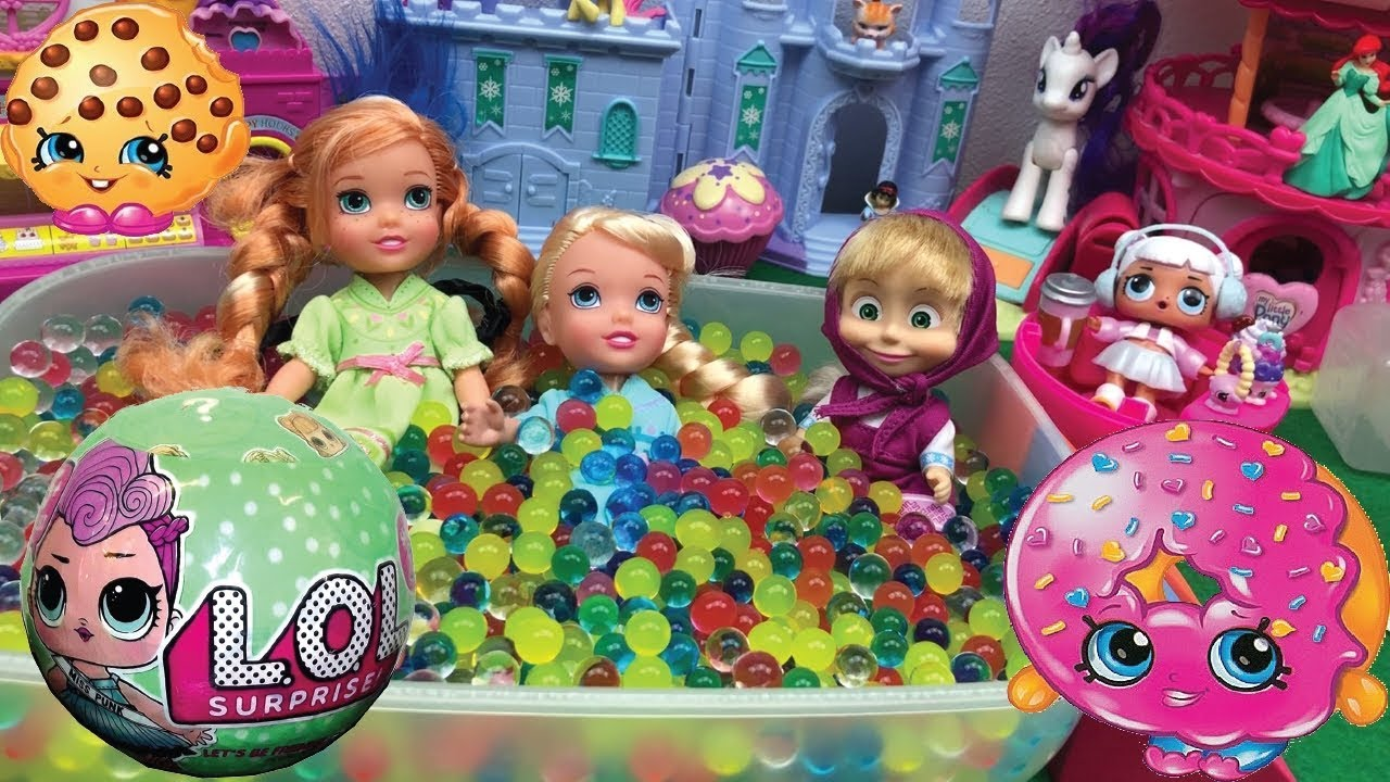 Elsa and Anna - Frozen - with Masha - Masha and the Bear -have fun with Orbeez and L.O.L. Surprise