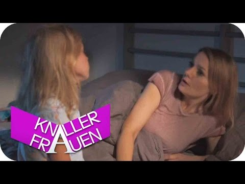 Jaaaanine! [subtitled]   Knallerfrauen mit Martina Hill