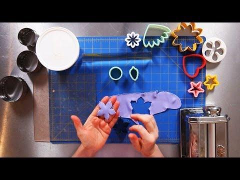 how to make sugar paste glue