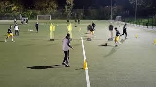 Fussballübung - Endlosform zum Schnittstellenball