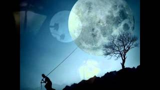 Milton Nascimento A  Lua Girou