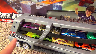 Hot Wheels Supermax Transporter Giant Semi Truck Car Loader Toy Review