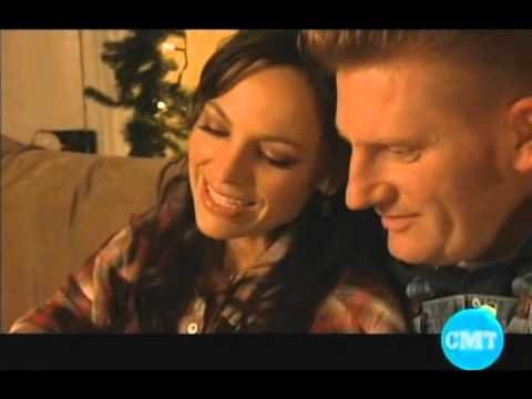 Joey + Rory - It's Christmas Time - YouTube