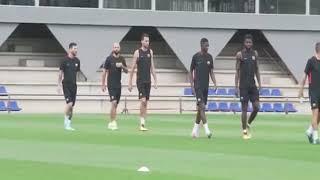 O.Dembélé rencontre L.Messi à l'entraînement du FC BARCELONE
