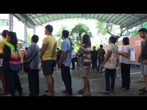 Polls open in Thai referendum