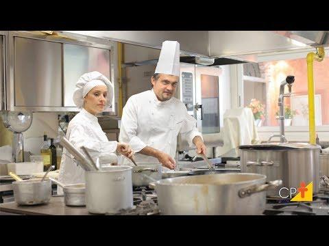 Clique e veja o vídeo Curso a Distância Profissional de Cozinha