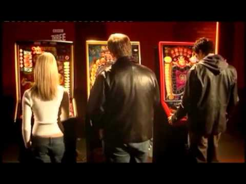 Win On Fruit Machines Refill Key Scam Real Hustle