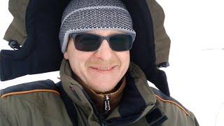 ЧУТЬ ВЕТРОМ НЕ УНЕСЛО Зимняя рыбалка 2020 окунь на мормышку плотва на безмотылку