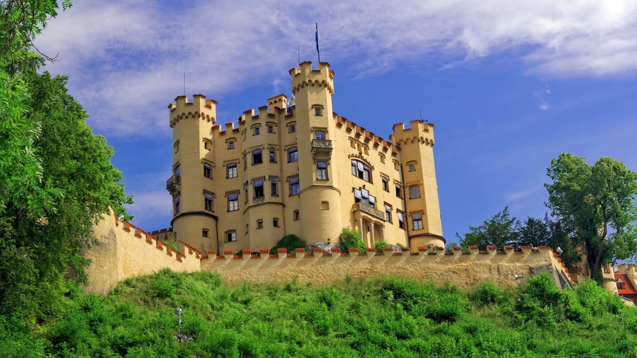 Hohenschwangau Castle in Germany: photo with description 78
