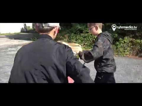 7. Schritt: Erste Greifübungen und das Affen-Liedиз YouTube · Длительность: 3 мин27 с