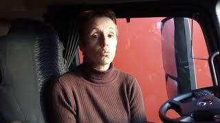 Gilets jaunes: le coup de gueule d'une chauffeure bloquée sur la RN10