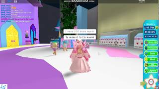 REACHING 900 LEVELS ON ROYALE HIGH?! Roblox Royale High (Read desc for a friend shoutout!)