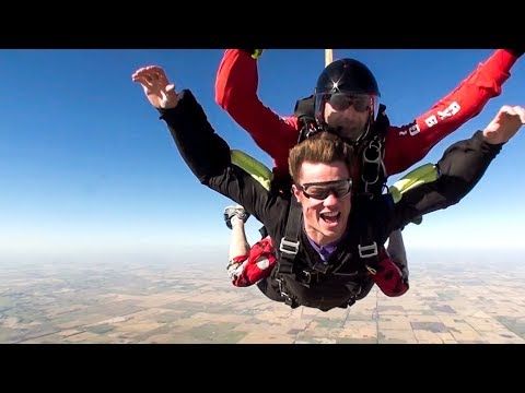 The Time Mom & I Went SKYDIVING !
