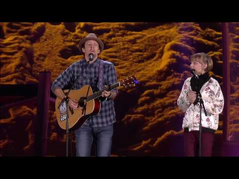 Grace VanderWaal and Jason Mraz singing I'm Yours - Live from the Special Olympics Opening Ceremony