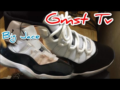 Cleaning Jordan Space Jam 11s