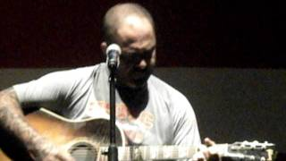 Aaron Lewis - LIVE - What Hurts The Most & history of It's Been A While