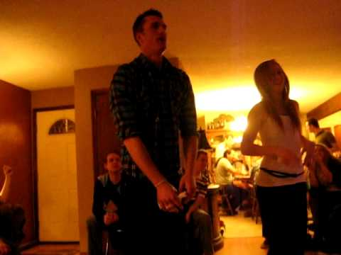 Taylor and Haley Curtis doing Just Dance 2