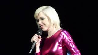 05 – Carly Rae Jepsen – Happy Not Knowing (Live Clip) @ Bill Graham Civic Auditorium