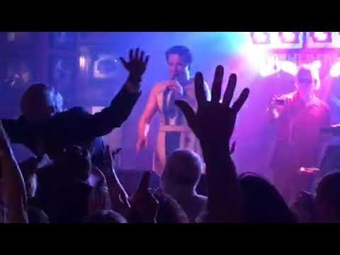 Neal McDonough aka: Damien Darhk singing karaoke at DragonCon