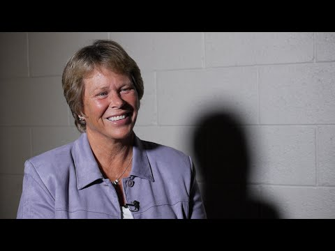 Ann Meyers Drysdale on Coach Cori Close - YouTube