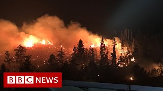 Colorado battles a record-breaking wildfire - BBC News