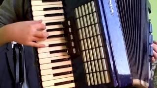 Урок игры на аккордеоне 2(гамма)