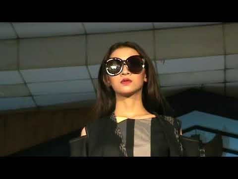 FASHION SHOW DESIGNER - SALATIGA FASHION & FOOD FESTIVAL 2017 ( VIDEO 1 )