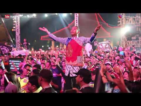 Dapat BONEKA!! VIA VALLEN dan TEMON KIS - ASAL KAU BAHAGIA - HUT MNCTV 26 ALUN-alun SIDOARJO