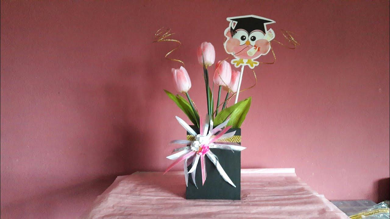 Centro De Mesa Para Graduacion Arreglo Con Flores