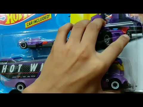 Purple New 2019 Hot Wheels Big Rig Heat Semi-Truck w// F-1 Racer