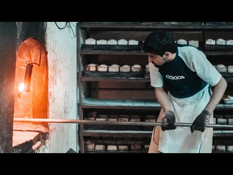 Salahuddin Bakery - This is how they make delicious classic bread ( Malaysia Travel Johor )