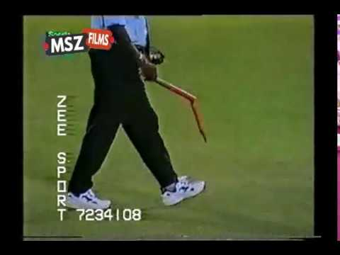 Shoaib Akhtar Brutal bowling vs New Zealand 6-17 at Karachi 1st ODI 2002