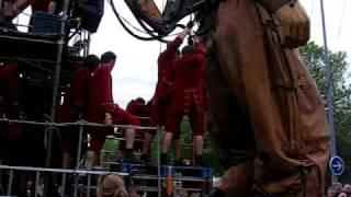 Le géant de la royale de Luxe après sa sortie des eaux
