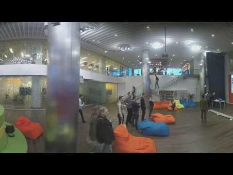 VR: проход между башнями Mail.Ru с помощью системы виртуальной реальности HTC Vive