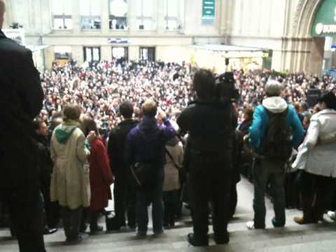 Paul Potts - Nessun Dorma at Leipzig Hauptbahnhof (main station)