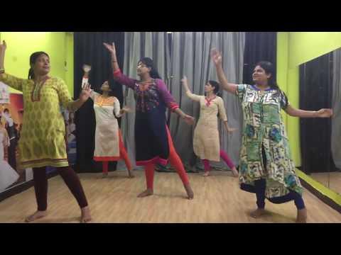 JAD MEHNDI LAG LAG JAAVE DANCE REHEARSAL