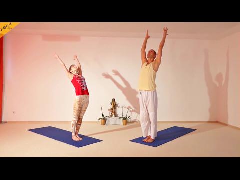 Yogastunde Sonnengruß Sprung Variationen 45 Minuten mit Ravi und Elke