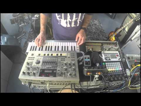 'Touch me now' - Live improvised hardware synth Jam (MC-505, Circuit, Volca, iPad, Loopy HD)