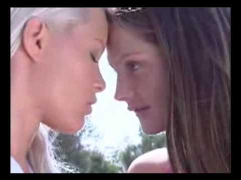 Sexy Lesbians Kissing